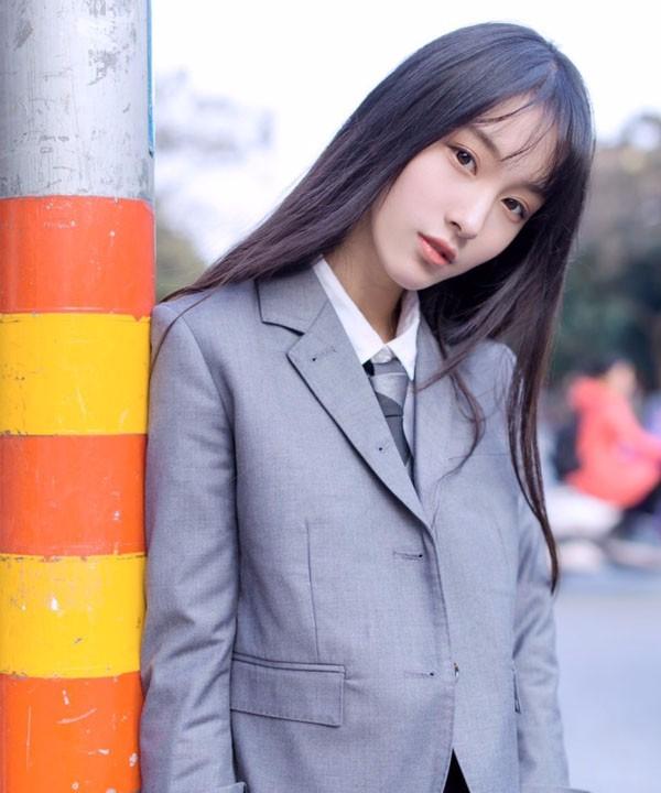 不良校花王梓莼,多面体女孩很百变很有趣